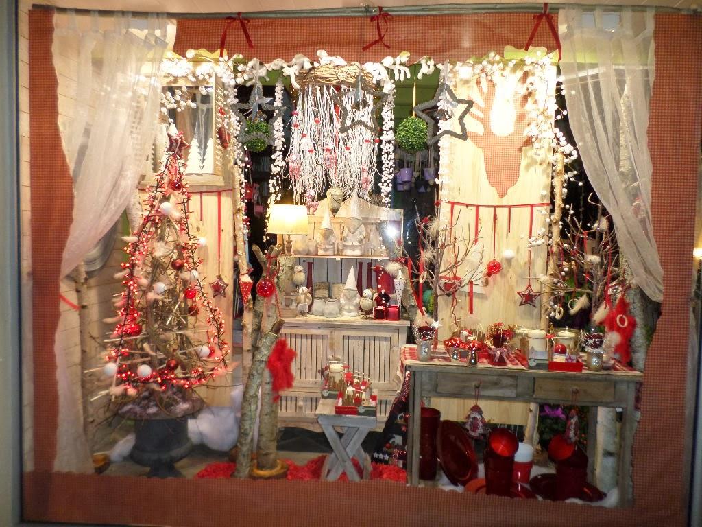 Ma tre artisan fleuriste vitrine de no l 2013 no l - Decoration de noel vitrine ...