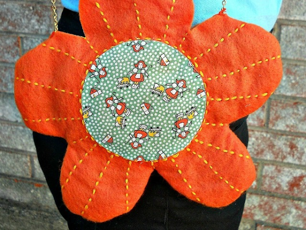 Mini Felt Flower Bag DIY