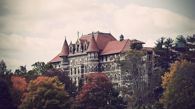 Avenue Mc Gill College
