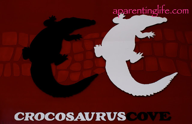 entry sign at crocosaurus cove