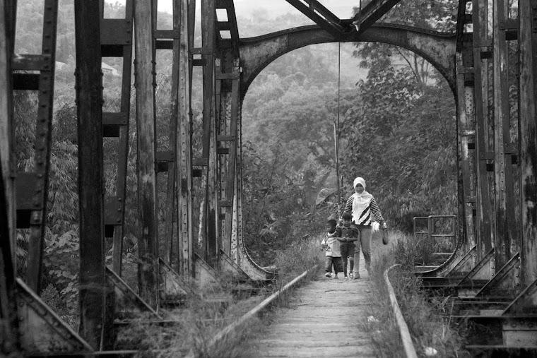 Perjalanan di Balik Rel Tua.2011