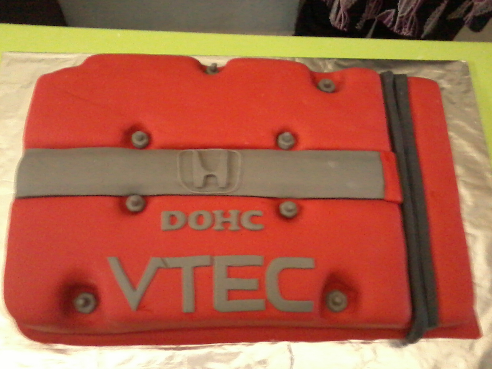 jujucupcakes Honda Vtec Engine cake and sport car accessories figurine