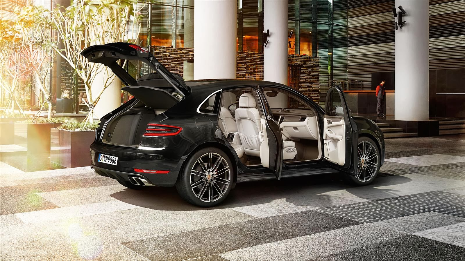 911 turbo pictures videos porsche macan revealed. Black Bedroom Furniture Sets. Home Design Ideas