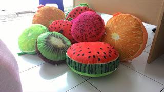 gambar bantal buah