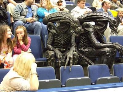 aliens humor