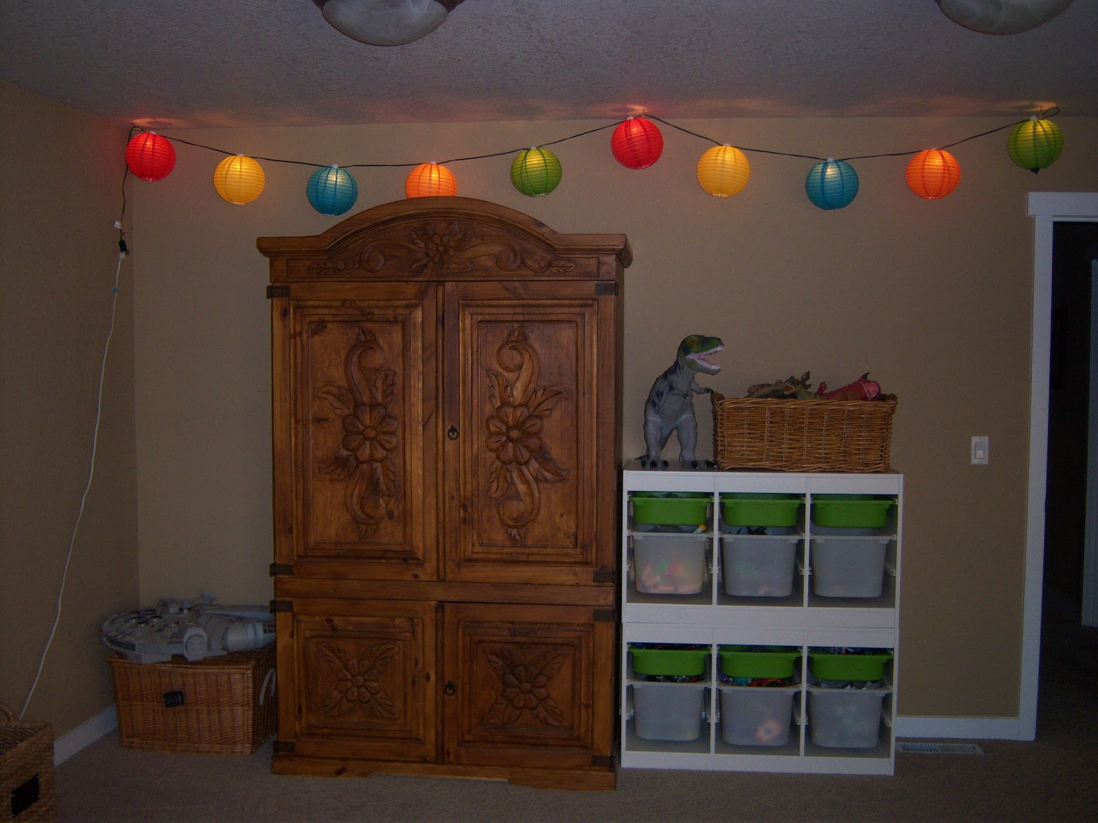 Little Brags: Decorating With String Lights