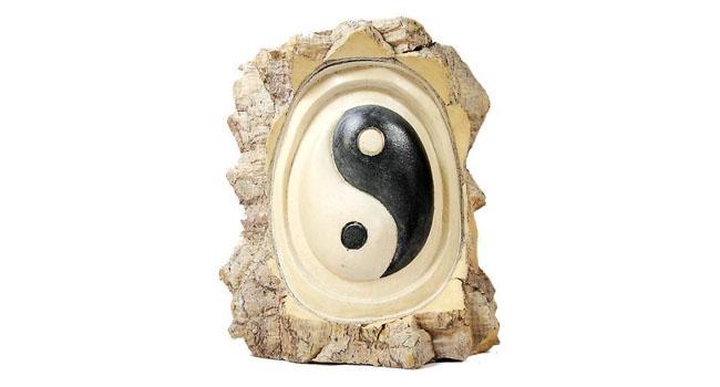 Diagrama do Taiji, yin yang, talhado em madeira