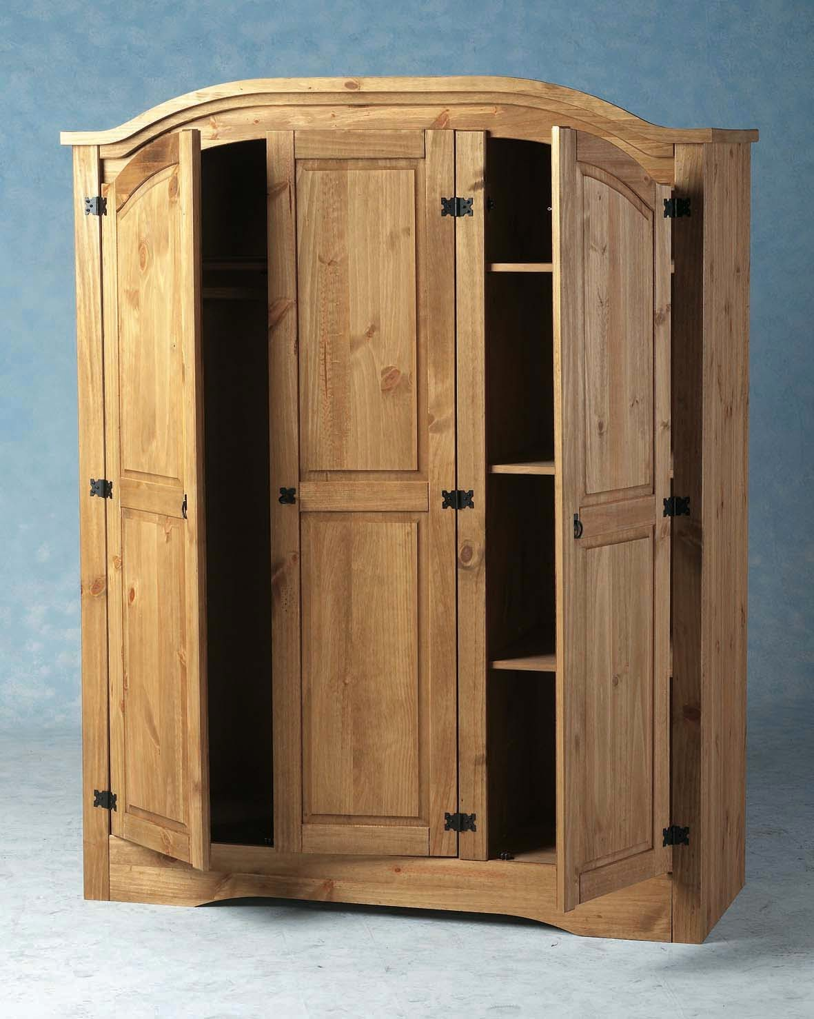 lemari pakaian 3 pintu berbahan kayu