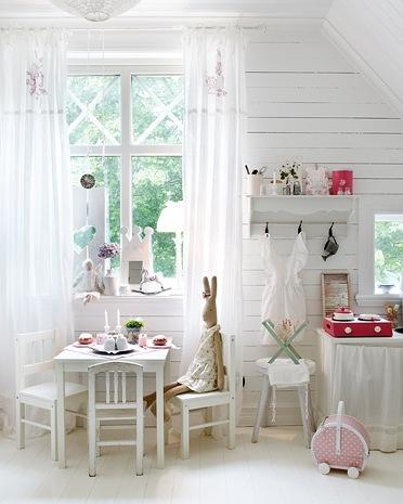 vintage girl bedroom