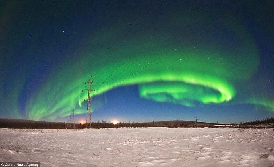 الشفق القطبي على شكل دوامة