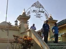 Masjid Kuning :