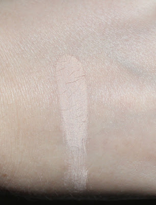 Urban Decay Naked Skin Ultra Definition Powder Foundation in Fair Neutral Swatch