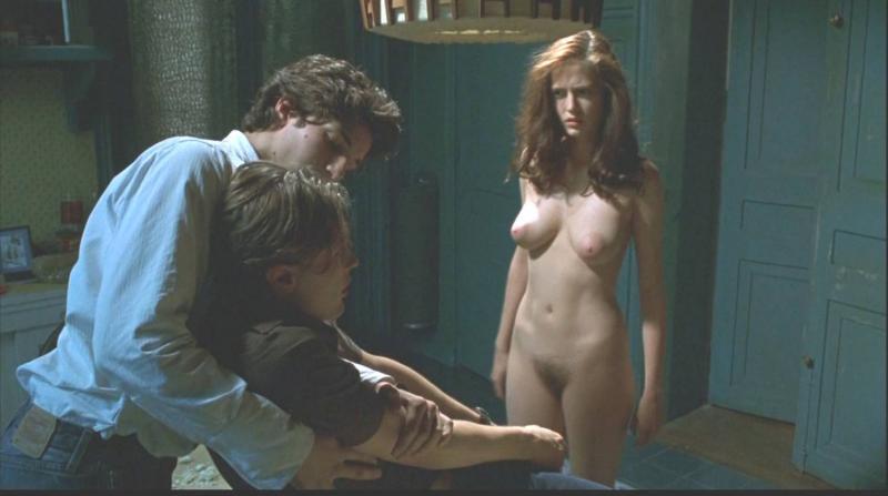 Девушки фото голые в кино