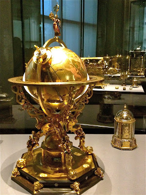 Image of Kunstkammer Wien - golden globe and clock.