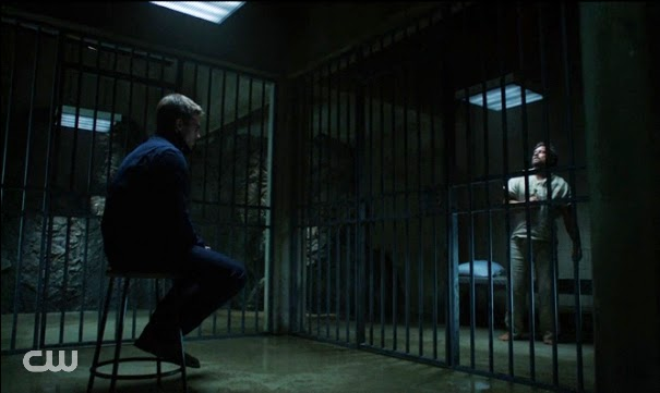 Arrow prison scene Oliver Slade
