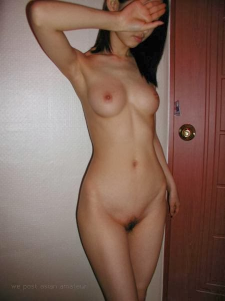 Nude asian girls without a face