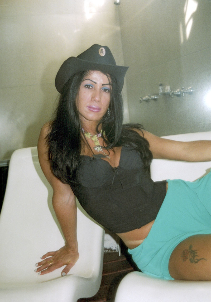 Gabriella Carvalho  (11) 98370-2838