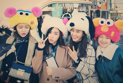SooYoung, Tiffany, Yuri, and HyoYeon at Universal Studios Japan
