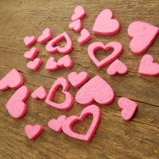 serduszka filcowe różowe