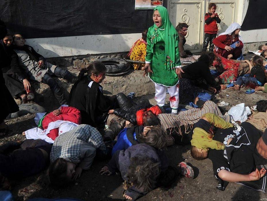 Afganistán. Atentado en Kabul durante una celebración religiosa. Foto: Massoud Hossaini, 2012.