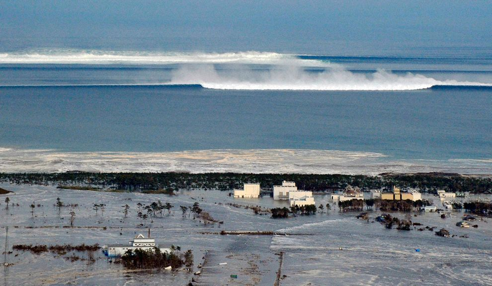 What you need to know about surviving a tsunami
