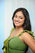 Hari Priya Glamorous Photo shoot gallery-thumbnail-13