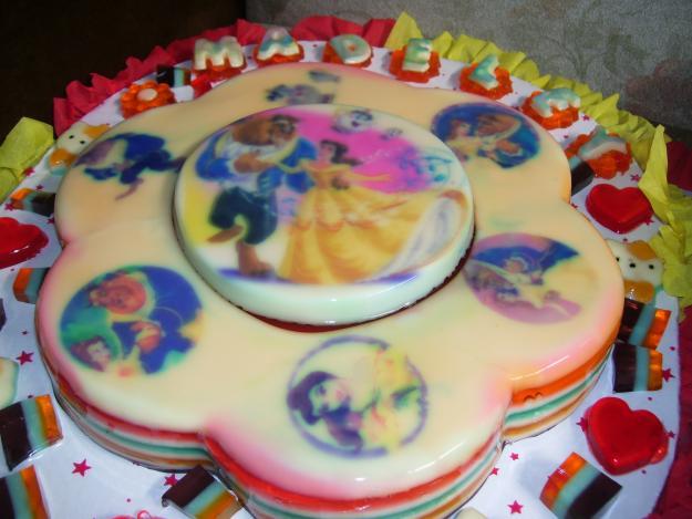 Gelatinas decoradas de princesas - Imagui