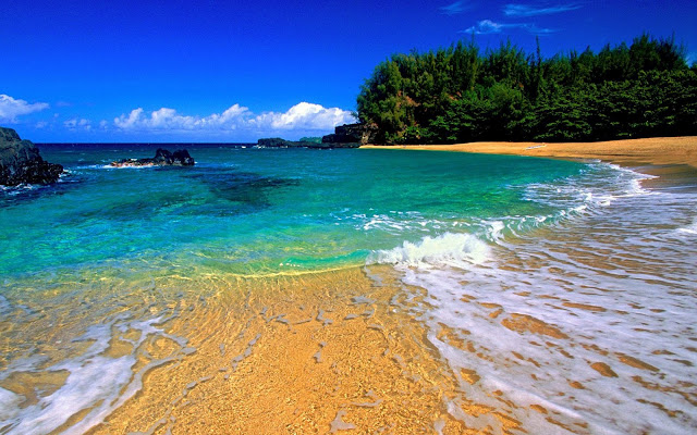 lumahai beach, kauai, hawaii