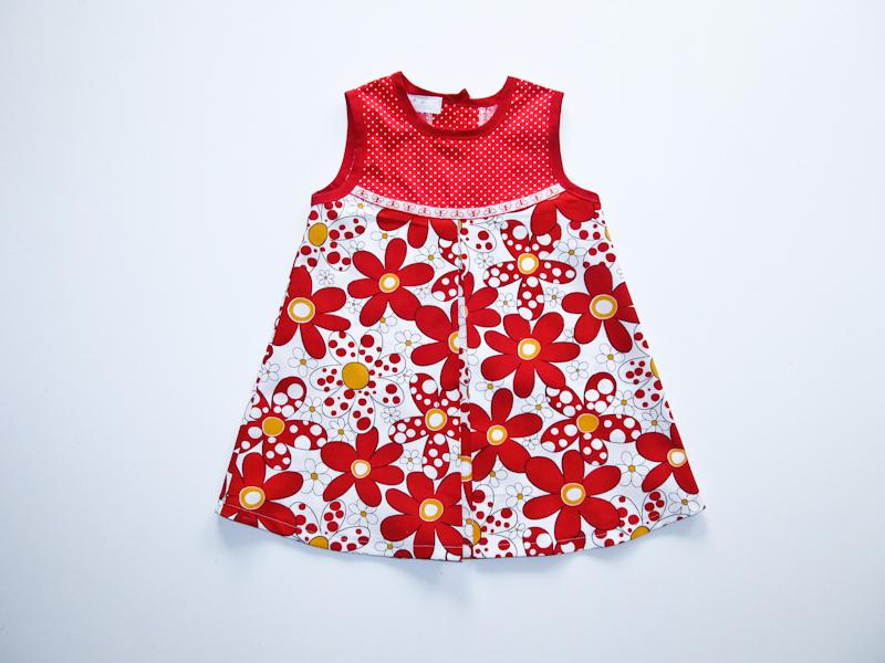 Летнее платье для девочки в год сшитое своими руками 949