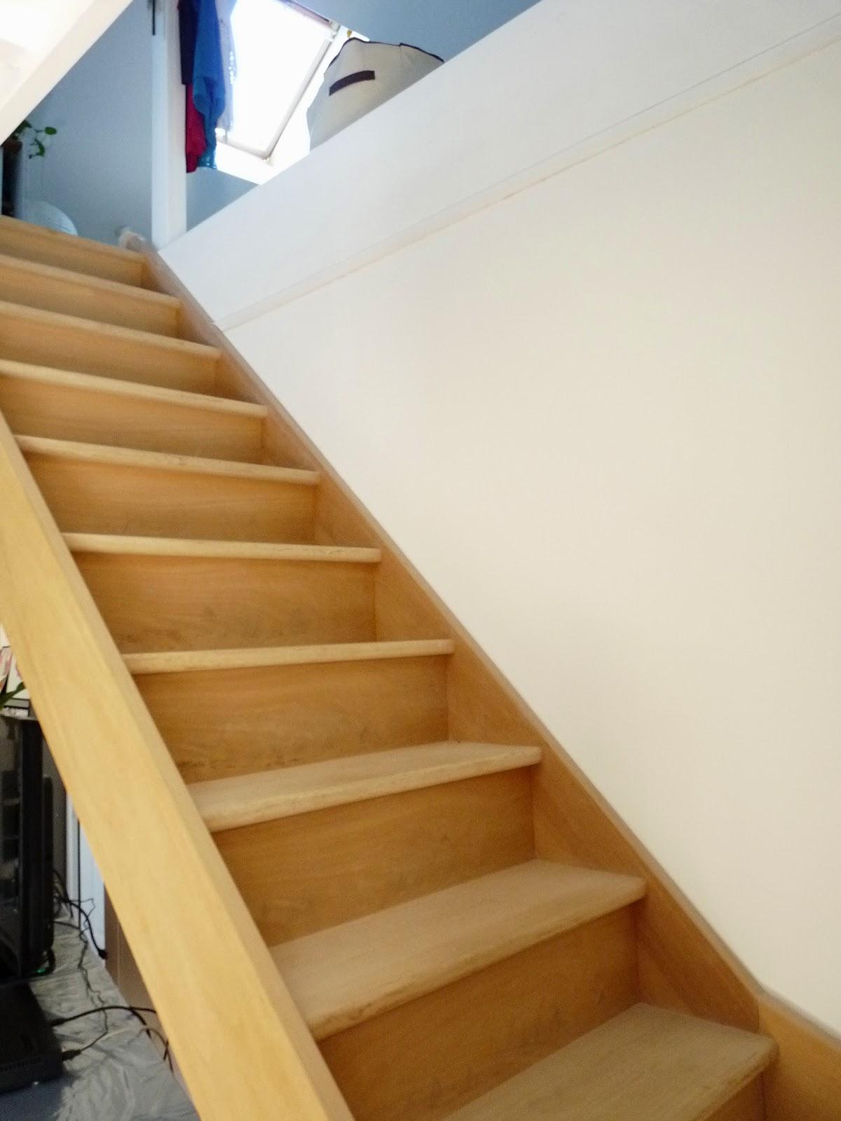 Rue rivoirette avant apres peindre un escalier for Peinture marche escalier