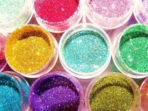 Resultado de imagem para glitter no batom carnaval