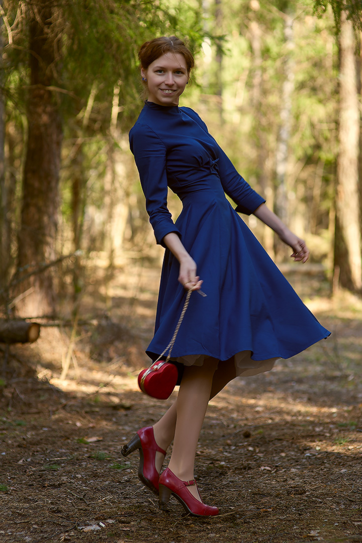 Бурда синее платье