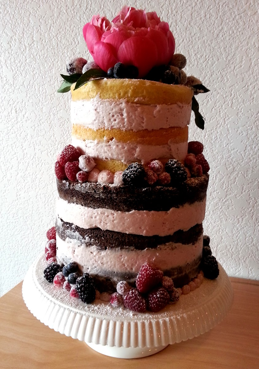 Wedding cake from Pink Poppy Bakery - Patricia Stimac, Seattle Wedding Officiant