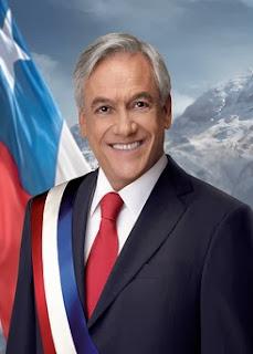 Sebastián Piñera con la Banda Presidencial de Chile