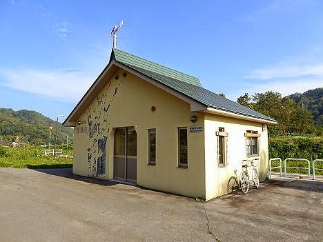 信濃白鳥駅舎