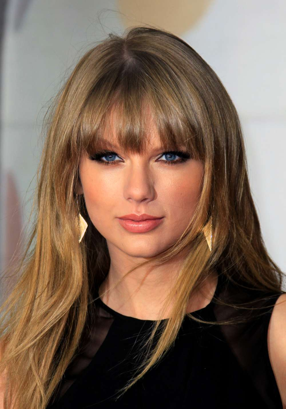 New Beautiful 25 Images Of The Famous Singer Taylor Swift 2013