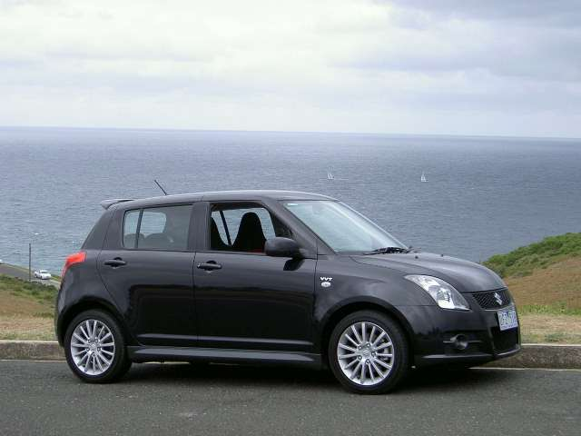 Suzuki Swift Sport White. Suzuki Swift Sport pictures