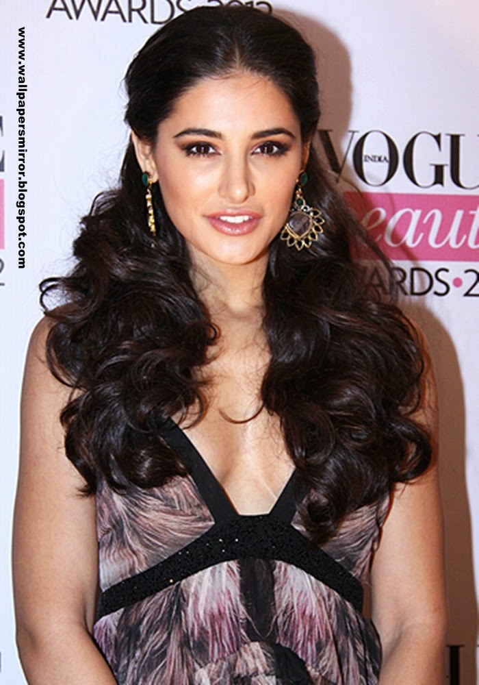 Nargis Fakhri latest hot photo stills