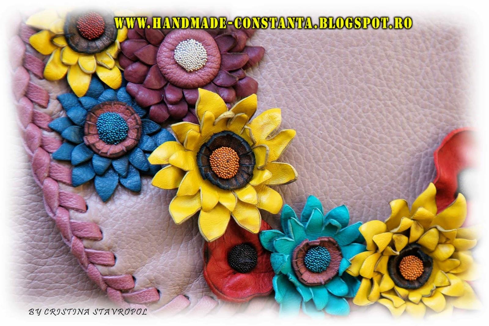 genti din piele cu flori viu colorate