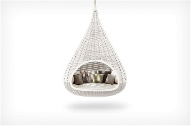 Outdoor unique hanging chair lounge design style trend outdoor furniture - Fauteuil suspendu ikea ...