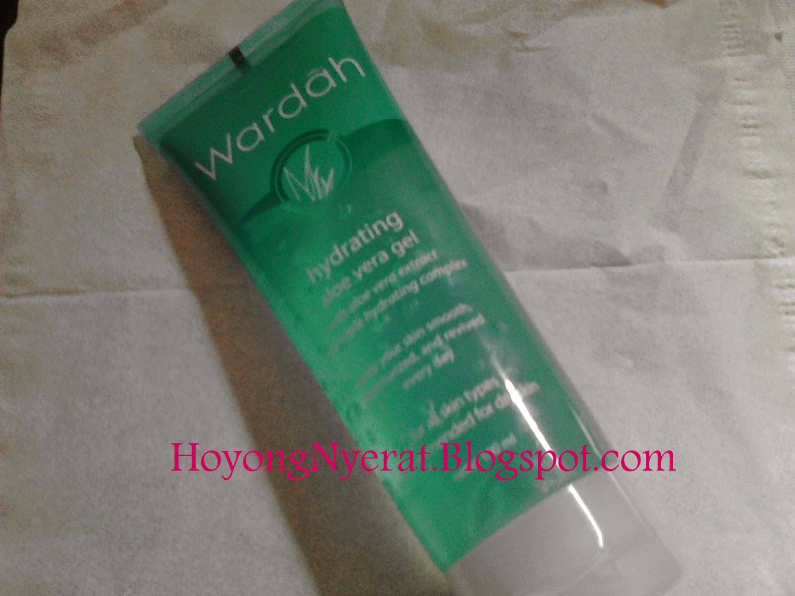 Wardah hydrating aloe vera gel pelembab Setelah sampai gak sabar deh nyobain produk baru ini Ini penampakannya Tertulis