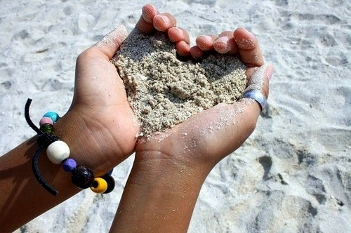 Love | Heart | Sand in hand