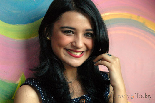 Shireen Sungkar - Picture Actress
