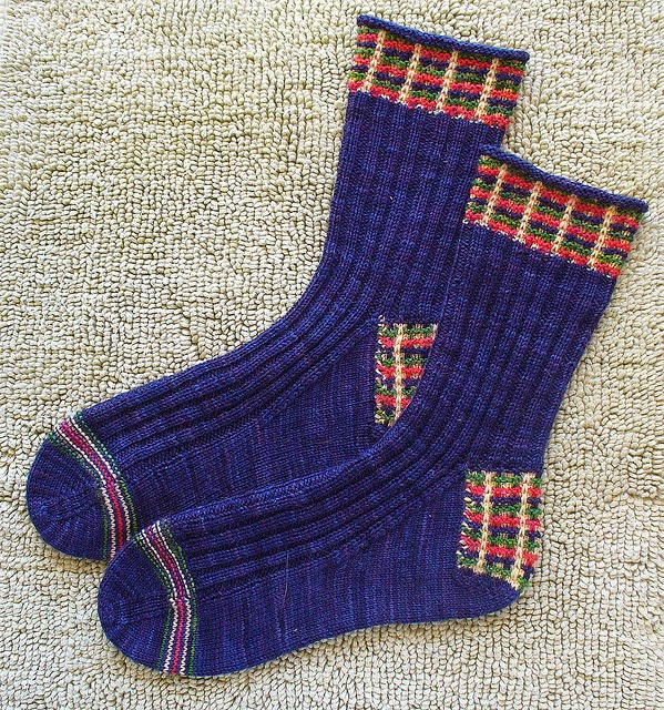 The Knitting Needle and the Damage Done: Knit Under Your Plaidie