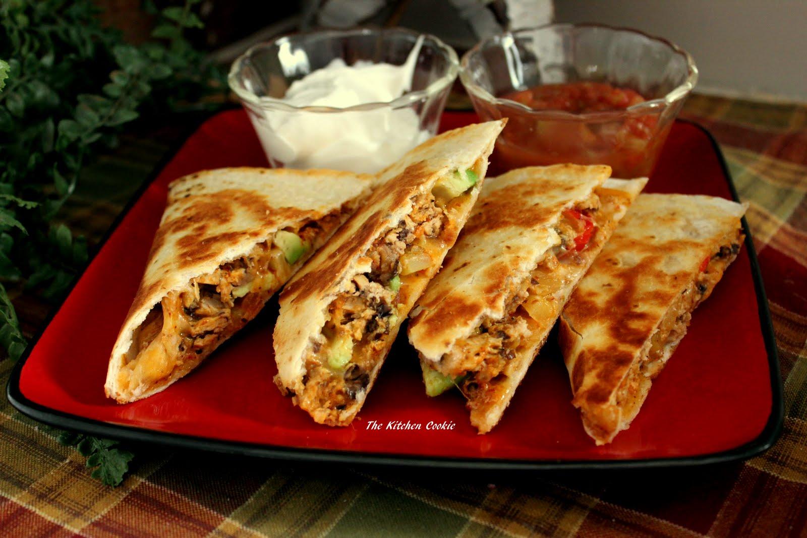 TheKitchenCookie: Spicy Chicken and Black Bean Quesadilla