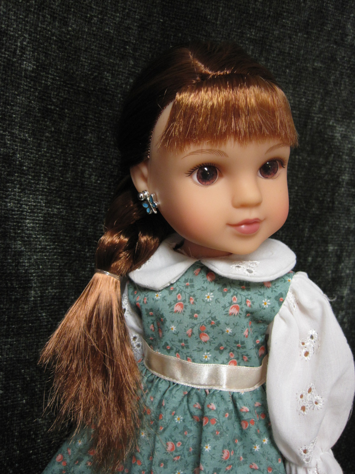 never grow up a mom s guide to dolls and more hearts for hearts