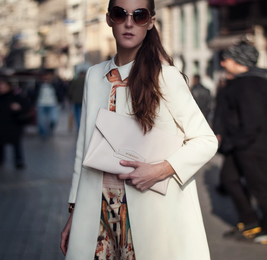 fashion blogger, street style, istanbul street style, istanbul fashion blogger, gasmy italian fashion store, givenchy envelope clutch, pink leather clutch, fashion details, printed dress, collar dress outfit, mango heels, sheinside, wowo vintage, round glasses outfit