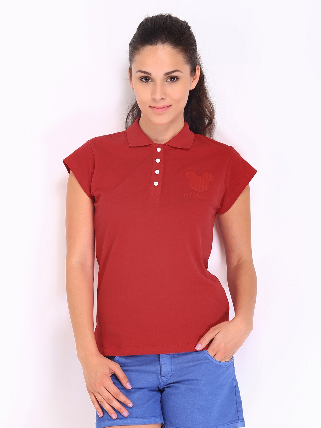 Ralph Lauren's iconic polo shirts can be one of the most versatile items in a women's wardrobe. Short sleeve polo shirts can be worn while touring a new area, on the way to the hotel from the airport with a pair of jeans, or combined with a pair of shorts over your swimsuit while walking along the beach.