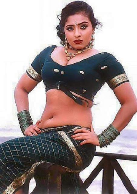 Actress Mumtaz NAvel Show Photos