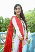 Kanika Kapoor latest photos-thumbnail-6